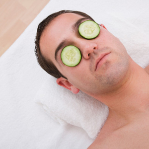 Los hombres están comprando más productos cosméticos que nunca