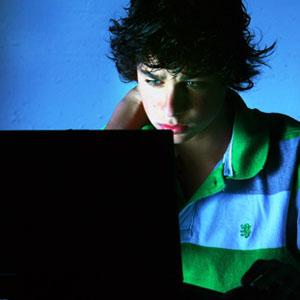 Facebook se disculpa por alojar un anuncio de citas online con la imagen de una menor fallecida a causa del ciber-bullying