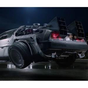 General Electric se sube al DeLorean para 'regresar al futuro' en su última campaña