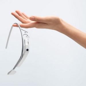 ¿Es de los pocos afortunados que ya tiene las Google Glass? A partir de ahora se las podrá prestar a tres amigos