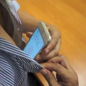 El iPhone 5S se desbloquea no sólo con los dedos de las manos sino también con otras partes del cuerpo: ¿adivina cuáles?