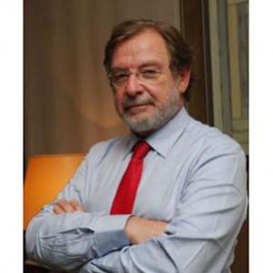 Cebrián, presidente del grupo PRISA, confirma su voluntad de vender 'Canal +'