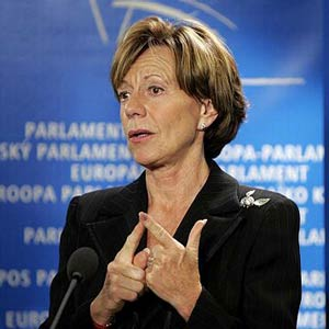 Neelie Kroes, vicepresidenta de la Comisión Europea, preocupada por la venta de Nokia