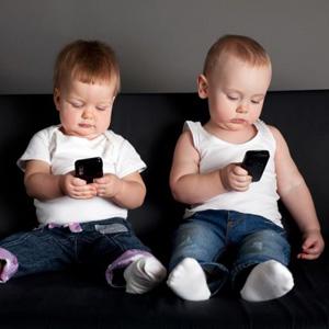 El 42% de los niños latinoamericanos utiliza dispositivos conectados una media de 40 minutos diarios