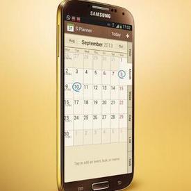 Samsung le recuerda a Apple que fue el primero en ofertar smartphones en color dorado