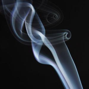 Tres spots sobre cigarrillos electrónicos son prohibidos en Reino Unido, ¿censura o salud?