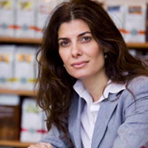 Beatriz Navarro sale de Starbucks junto a otros 15 directivos de Grupo Vips