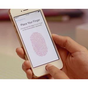 Un experto en privacidad advierte sobre los peligros del sensor de huellas del nuevo iPhone 5S