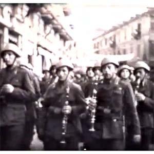 Descubre YouTube con 93 años y se encuentra a sí mismo en un vídeo de la II Guerra Mundial