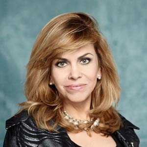 Monica Deza (primer plano)