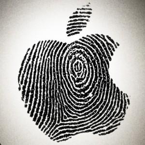 Apple se defiende ante el escándalo de espionaje: