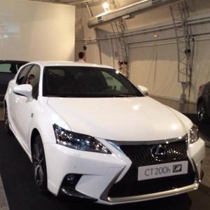 Lexus presenta sus dos nuevos híbridos en el Instituto Nacional de Técnica Aeroespacial, ¿se monta con nosotros?