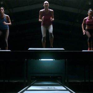 Nike convierte a los deportistas en impresoras humanas en un spot que le dejará sin aliento