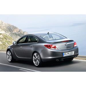 Opel y MRM presentan el nuevo Opel Insignia con una rompedora acción