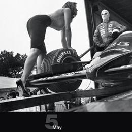 Los mejores calendarios publicitarios de 2014: neumáticos, diosas y... maquinaria pesada