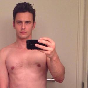 James Franco, el rey del selfie, explica el porqué de esta moda