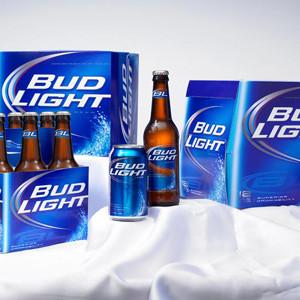 Bud Light contará con Don Cheadle y Schwarzenegger para su anuncio de la Super Bowl