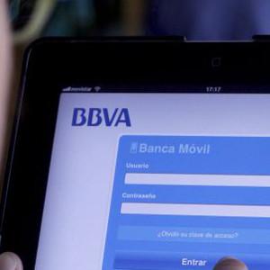 Las aplicaciones de servicios bancarios se hacen hueco en los smartphones de los españoles