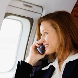 Hoy entra en vigor la normativa que permite tener encendidos dispositivos móviles en aterrizajes y despegues