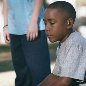 Duracell arrasa en YouTube con un emotivo spot protagonizado por un jugador de fútbol americano sordo