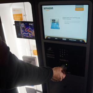 Amazon está probando máquinas expendedoras de Kindle en aeropuertos y centros comerciales