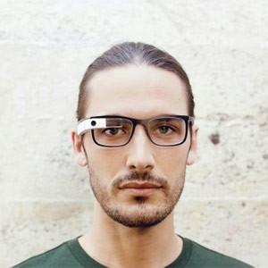 ¿Le parecen feas las Google Glass? Google las embellece con monturas de lo más