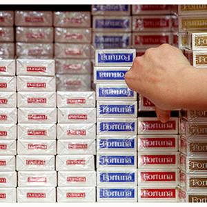 Marlboro se mantiene como la marca preferida por los fumadores mientras el sector se desploma otro 11%