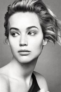 A Dior se le va la mano con el Photoshop en la última campaña protagonizada por Jennifer Lawrence