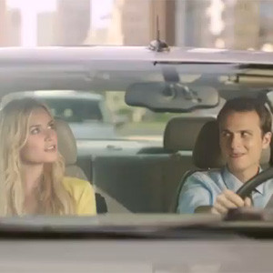 ¿Una rubia en su coche? Sólo con un Citroën C4 conseguirá conquistarla de verdad