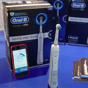 Contra la caries se lucha ahora con el cepillo de dientes… y con el smartphone