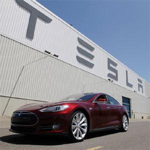 Tesla construirá una fábrica gigante de baterías para convertir los coches eléctricos en