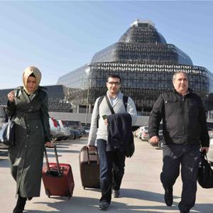 Sinir disi edilen Mahir Zeynalov Azerbaycan'da