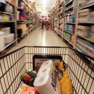 La posible reclasificación del IVA reduciría el gasto de la cesta de la compra del 98% de consumidores