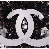 La actriz Keira Knightley juega al 'escondite' más seductor en la última campaña de Chanel