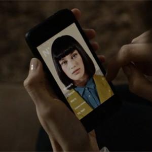 Esta app, una especie de Siri con rostro, bosteza cuando nos despertamos y jadea cuando subimos escaleras