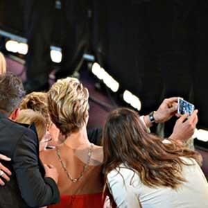 Samsung cuenta su versión del popular selfie de los Oscar