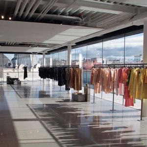 Zara inaugura mañana su tienda más grande en España en el número 23 ... 9b5937ce2f1