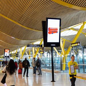 El incremento de pasajeros aumenta la audiencia impactada en los aeropuertos
