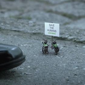 Greenpeace conciencia acerca del problema de la desaparición de las abejas convirtiéndolas en activistas
