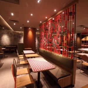 McDonald's se reinventa y da un aire oriental y muy chic a sus restaurantes para conquistar el mercado chino