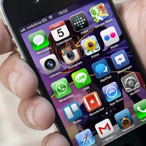 El consumo de internet aumenta en España y la mensajería instantánea parece la principal culpable