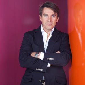 MediaCom nombra a César Recalde Chief Business Development and Marketing Officer para LATAM