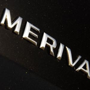 Opel Meriva realiza un spot de Social Media cuyos protagonistas son 3 familias primerizas