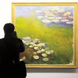 ¿Un Monet en el centro comercial? Las tiendas se 'ponen las pilas' para hacer frente al e-commerce