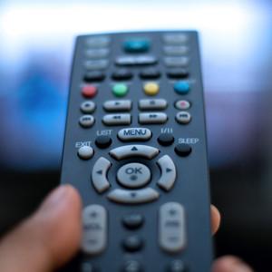 A pesar de internet, los millennials tampoco renuncian a la TV de pago