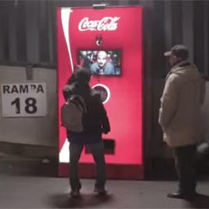 Coca-Cola lucha contra la rivalidad del fútbol y consigue unir dos aficiones italianas en pleno derbi