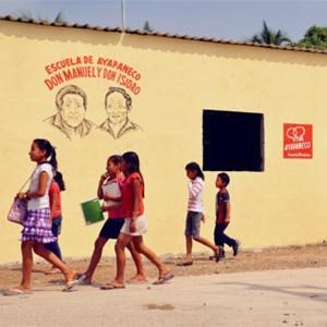 Vodafone salva a un idioma de acabar en el cementerio de las lenguas muertas en su nueva campaña global