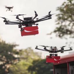 Coca-Cola reparte felicidad en las alturas con la ayuda de drones