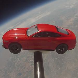 Ford Mustang se va de excursión al espacio para celebrar su 50º cumpleaños
