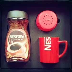Nescafé lanza una nueva tapa con reloj y alarma incorporados